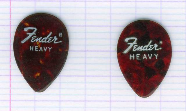 picks_fender_640.jpg